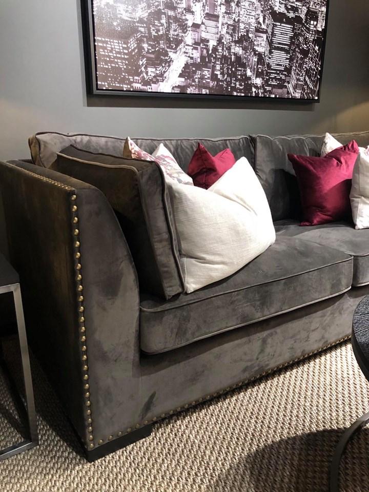 Manhattan sofa muldvarp velour - Elegante Hjem